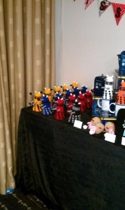 Bristol-Con knitted daleks!-1