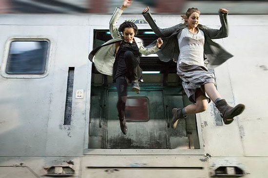 There's nothing to get jumpy about in THE HUNGER GAMES cardboard clone DIVERGENT.