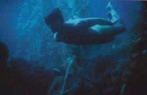 undersea-swim_001